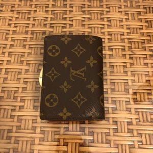 Louis Vuitton Bags - Louis Vuitton Monogram Kiss Lock Wallet